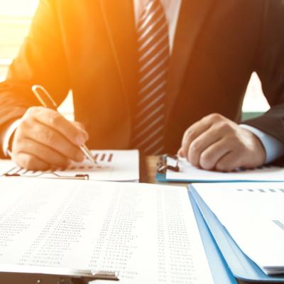 専任の担当者が迅速かつ的確に示談交渉を行い、交渉経過や解決のご連絡など、お客様の立場になって親切・丁寧に応対します